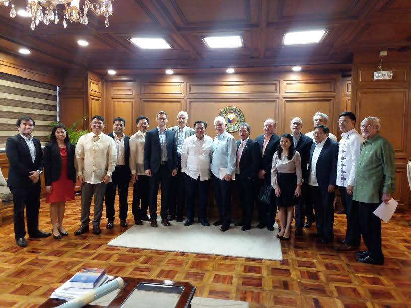 (L-R): AmCham Government Liaison Yves Marvic Aguilos, ECCP General Advocacy Adviser, Pampanga 3rd District Rep. Aurelio Gonzales, PAMURI Director Safdar Qureshi, Davao 1st District Rep. Karlo Nograles, ECCP Executive Director Florian Gottein, ECCP Senior Advocacy Adviser Henry Schumacher, House Speaker Pantaleon Alvarez, AmCham Executive Director Ebb Hinchliffe, Deputy Speaker Fred Castro, CanCham President Julian Payne, PAMURI Member Atty. Mimi Lopez Malvar, AmCham Senior Adviser John Forbes, House Sec. Gen. Atty. Cesar Pareja, Deputy Speaker Eric Singson, Deputy Speaker Miro Quimbo, ANZCham Director Peter Wallace.